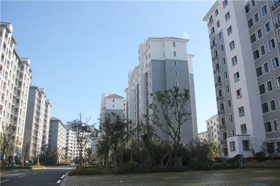 通和紫金城悦府:11月工程进度 1#3#楼封顶