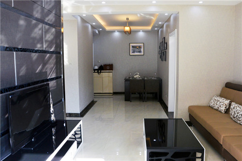 临水苑B户型95m² 三室两厅一厨一卫样板间赏析