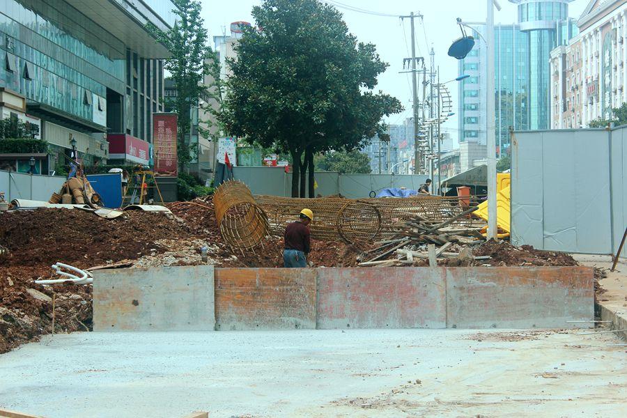 城建播报:义安大道与淮河大道交叉路口封闭施工
