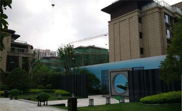 蓝光雍锦王府大平层6月在建工程进度