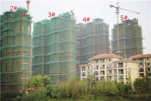 卓瑞北宸龙湖湾9月工程进度:1#楼已完成封顶