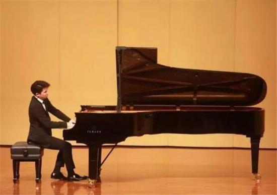 大事件!谁将和著名钢琴家鲍释贤同台演出?