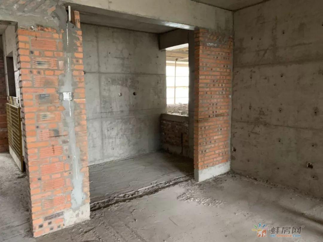 安建尚河源筑房屋内部实景图
