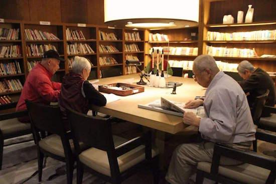 国务院:加大对养老家政等社区服务业税费优惠政策