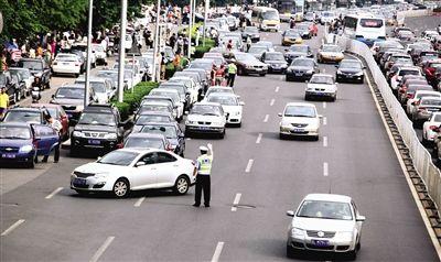 交警发布中考交通保障方案 接送考生车辆优先放行