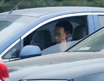 蚌埠多路段抓拍边开车边打电话行为