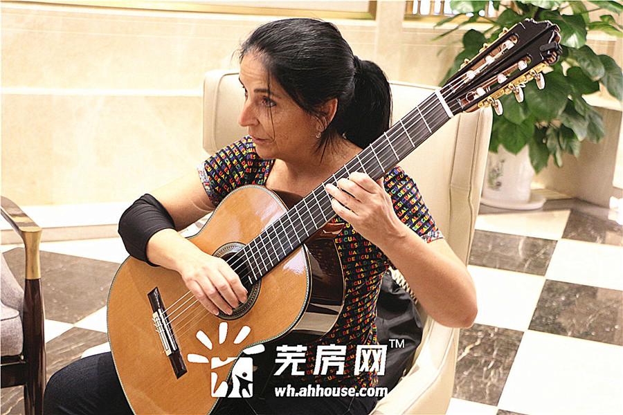 乐享人生·汀见世界:壹根琴弦的拨动 品味都会的弦音