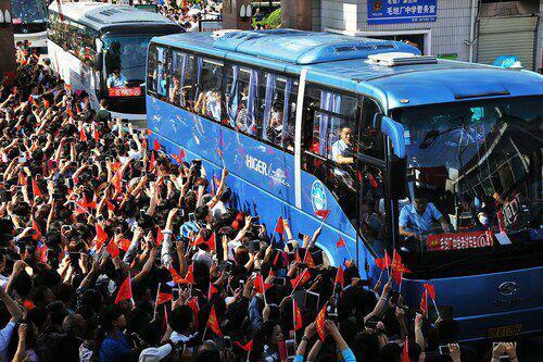 毛坦厂中学在上海招高复生?安徽教育部门已叫停!