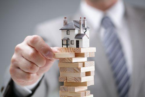 房地产融资的水龙头越拧越紧 房价会降吗?