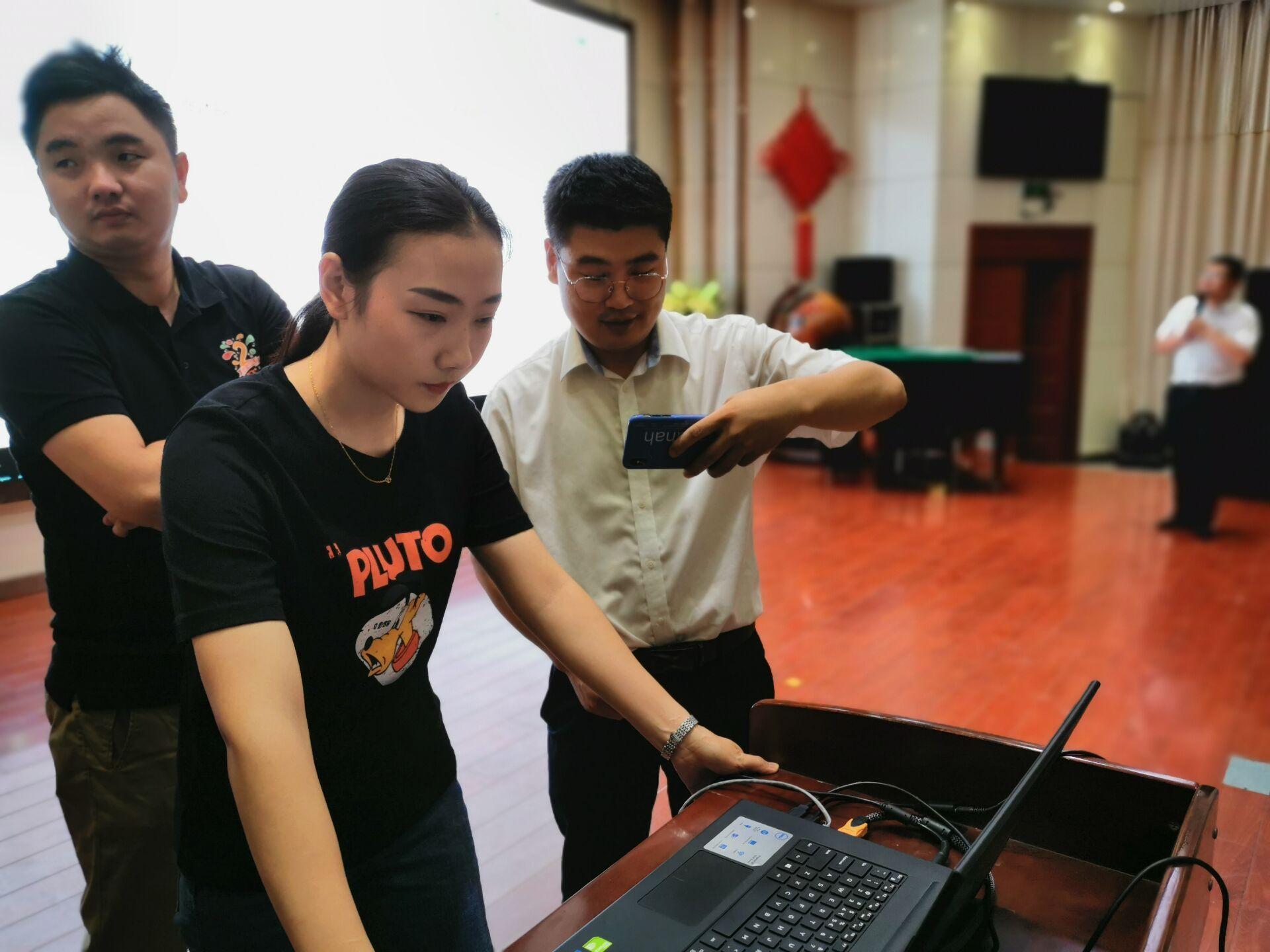 蚌埠民办学校第一次摇号招生 记者记录现场全过程