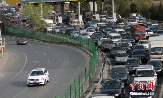 中秋假期首日全国道路交通总体平稳有序