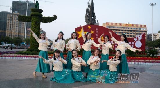 汉服佳人云集蚌埠市区,演绎东方之美