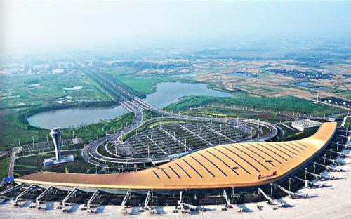 合肥新桥机场迎来返程客流高峰 深圳航线最为密集