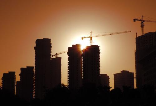 疯狂出货!300套168学区房、8栋现房、1栋70年公寓