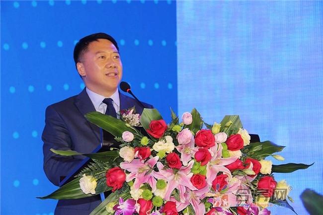 星空传媒(香港)控股董事长陈挚先生上台致辞
