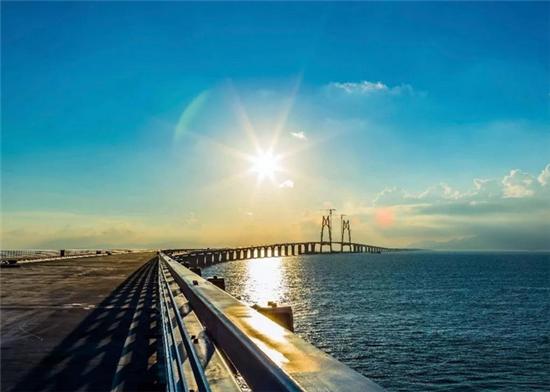 港珠澳大桥.png