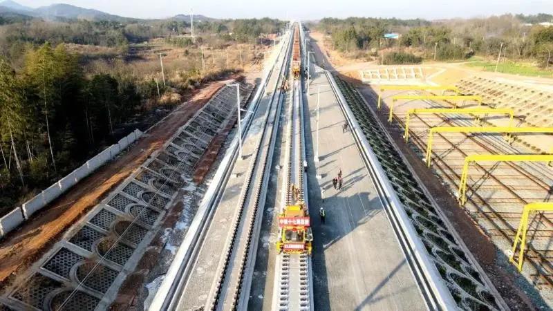 安九高铁安徽段 实现正线短轨通